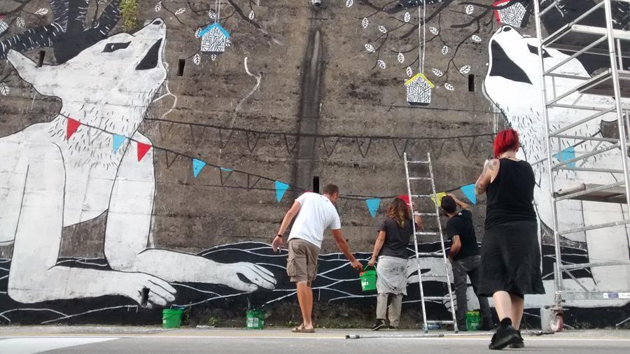Figura 1.14 Kiki Skipi e altri artisti per Clorofilla Festival 2016 - Foto di Flavia De Marco
